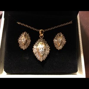 6.75 Ct genuine diamond necklace and earrings